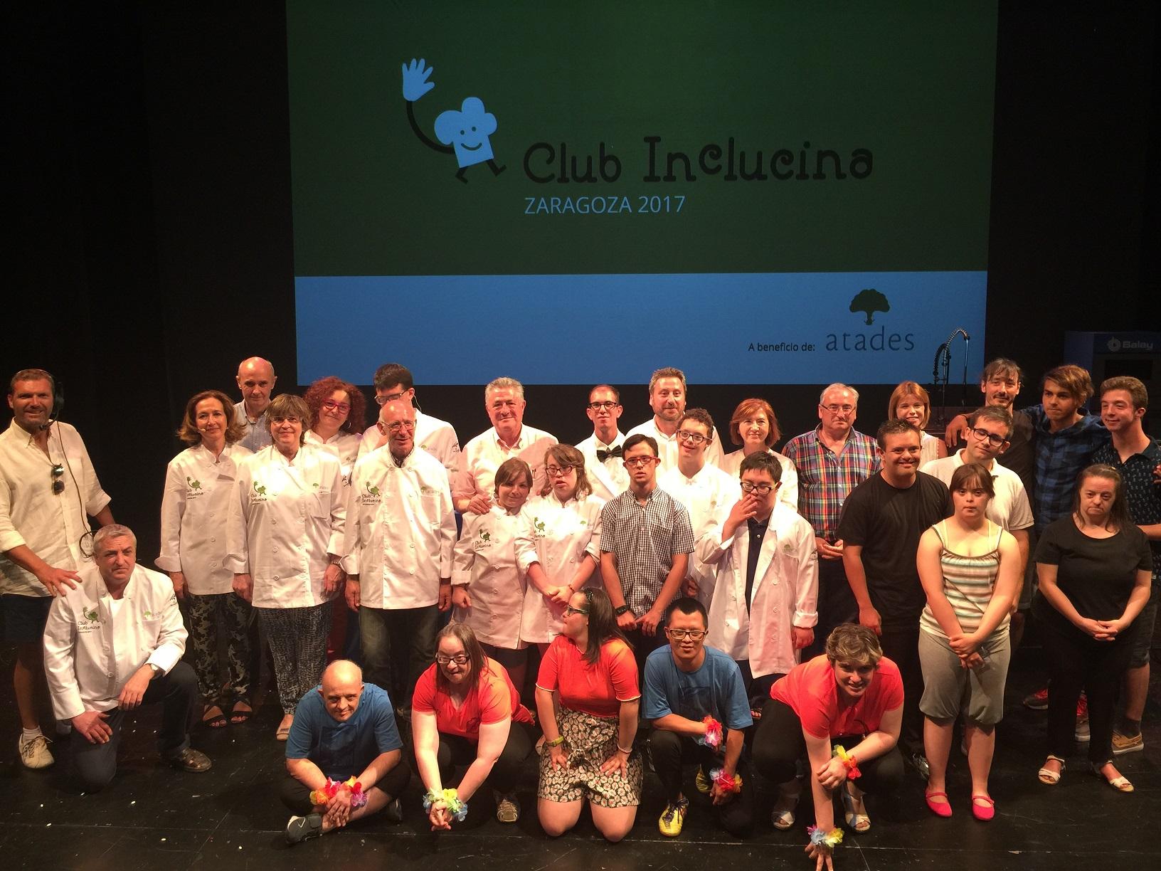 Foto de grupo del club inclucina